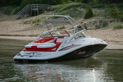 2010 Sea-Doo 230 Challenger SP sport boat - on-water (12).jp