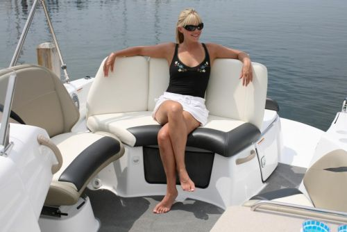 2010 Sea-Doo Islandia - Rear Lounge.jpg