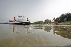 2010 Sea-Doo 230 Challenger SP sport boat - on-water.jpg