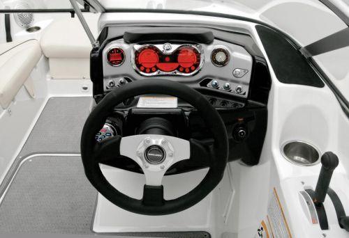 2011 Sea-Doo 180 Challenger Boat - Details Helm.jpg