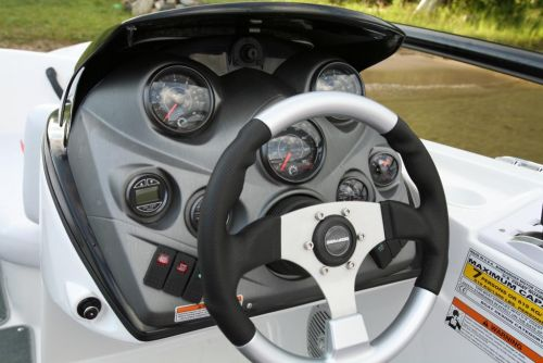 2011 Sea-Doo 200 Speedster -  Details Helm.jpg