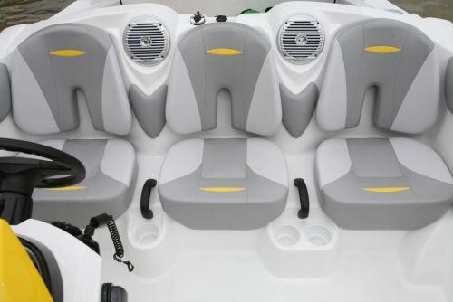 2011 Sea-Doo 150 Speedster Details Bucket Seats.jpg