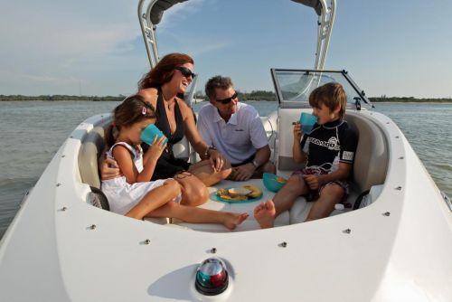 2011 Sea-Doo 180 Challenger Boat - Lifestyle (5).JPG