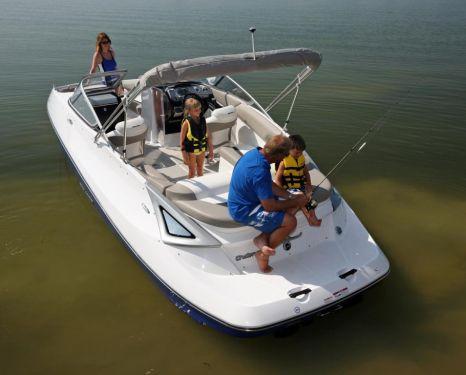 2011 Sea-Doo 230 Challenger Boat - Lifestyle (2).JPG