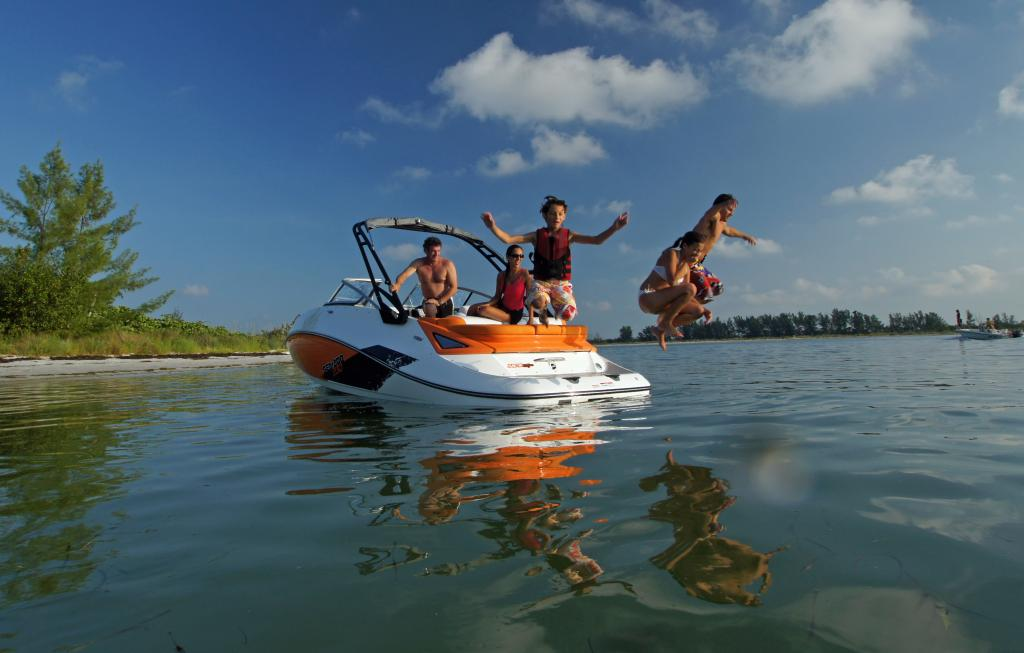 2011 Sea-Doo 230 SP Boat - Lifestyle (6).JPG