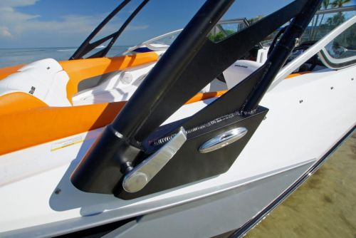 2011 Sea-Doo 210 SP Boat - Details Tower Release Lever.JPG