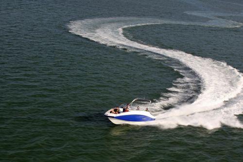 2012 Sea Doo 230 Challenger Boat   Action (3)